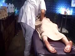 Asian Girl Fingered Out While Making Oil Massage