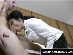 Milf in glasses gives head