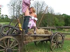 Anal Loving MILF Victoria Gets Ass Fucked Outdoors